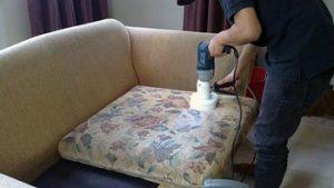 Химчистка дивана от запахов